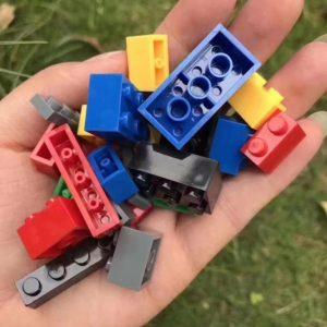 Lợi ích tuyệt vời khi trẻ chơi đồ chơi xếp hình Lego