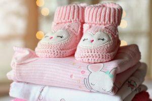 Cách lựa chọn và bảo quản quần áo cho trẻ em
