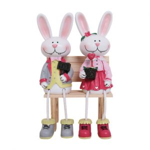 Tượng hai chú thỏ ngồi ôm hoa