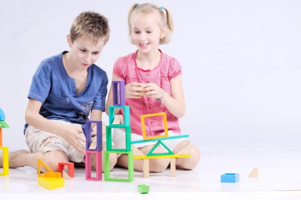 05 lý do vì sao nên cho trẻ nhỏ nhiều đồ chơi gỗ hơn?